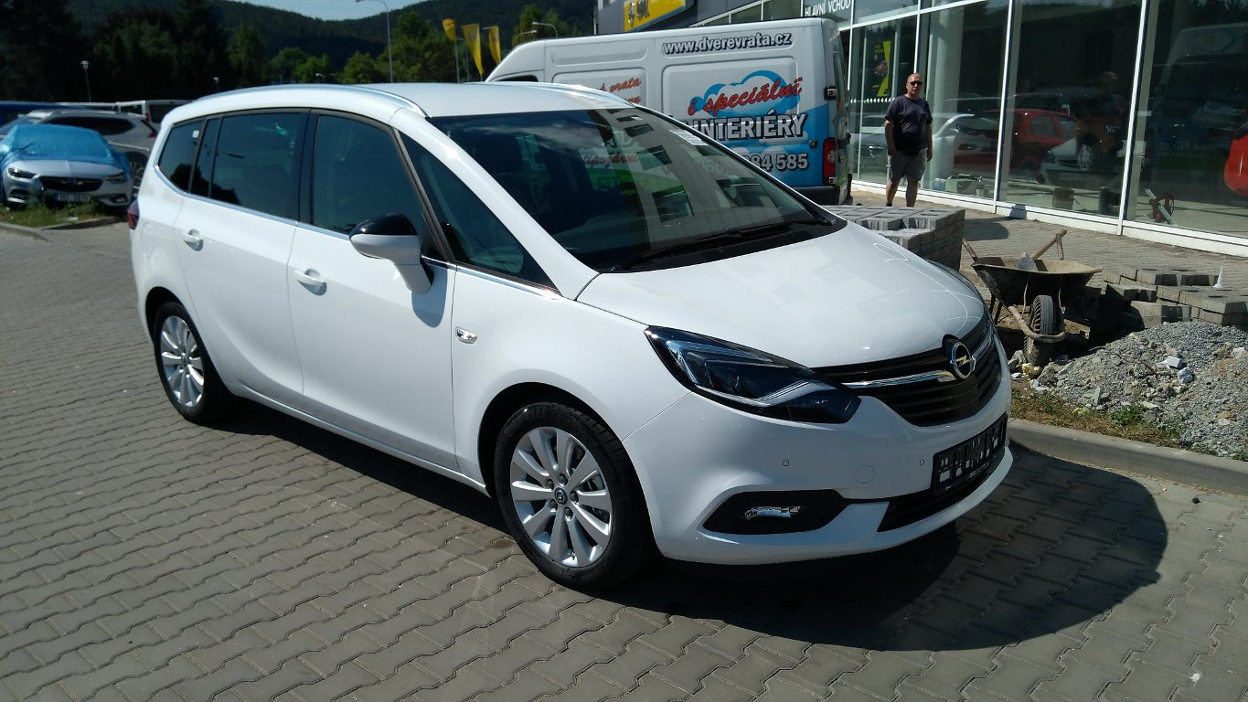 Opel Zafira INNOVATION 2.0 TURBO 125kW