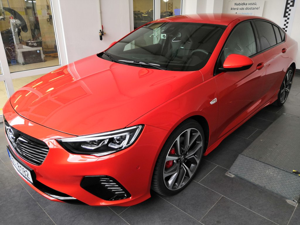 Opel Insignia GSi 2,0 Bi-Turbo 4x4 AT8