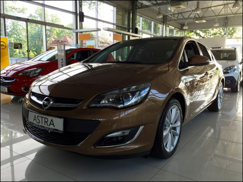 Opel Astra Cosmo 1.4 Turbo 103kW