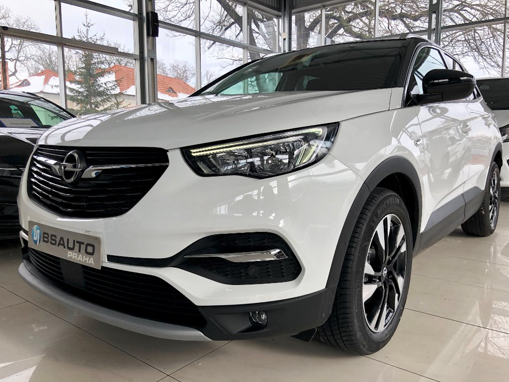 Opel Grandland X Smile 1,2 Turbo AT8 +ZP zdarma