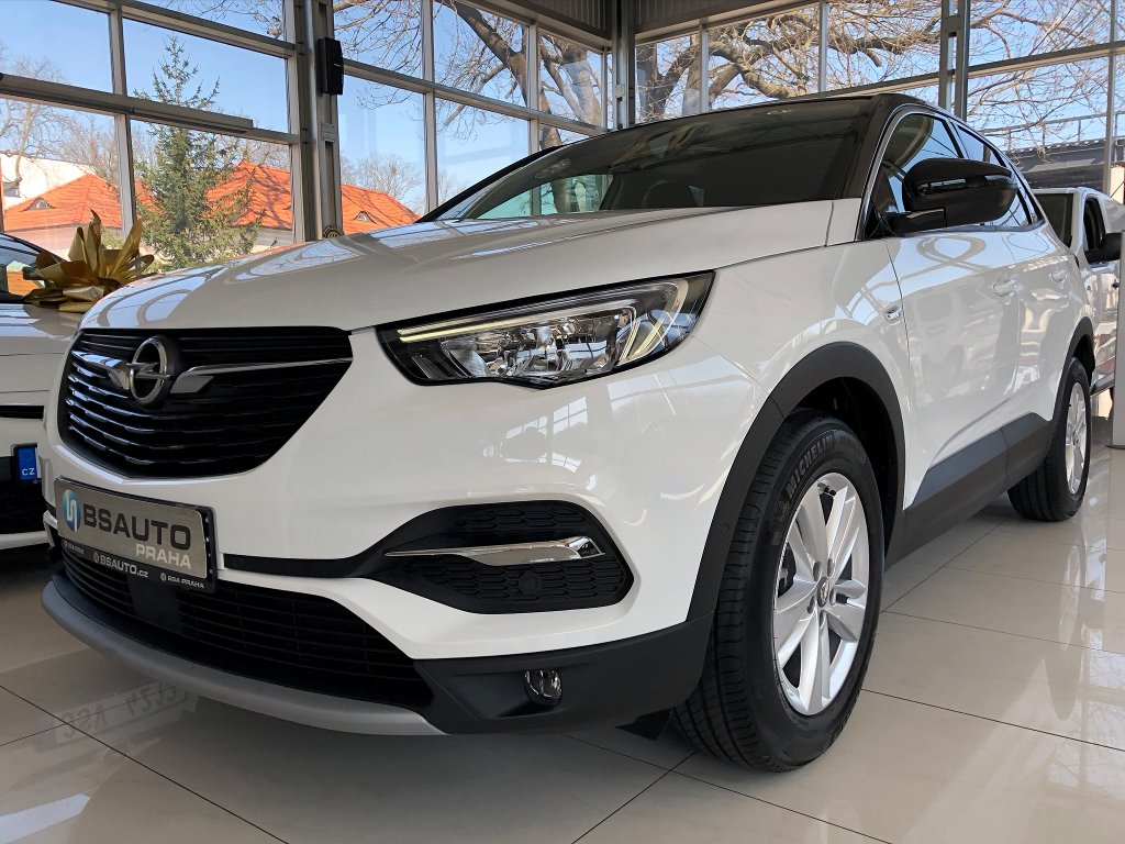 Opel Grandland X Smile 1,2 Turbo 130 koní MT6