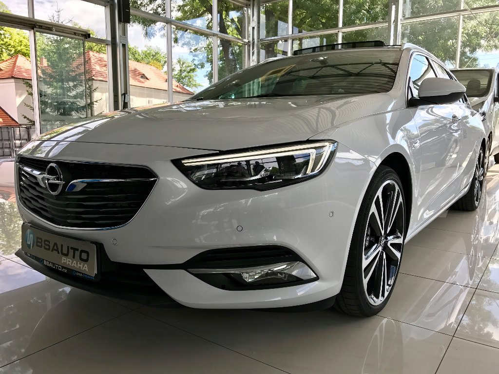 Opel Insignia Innovation 2,0Turbo 4x4 AT8+ZP