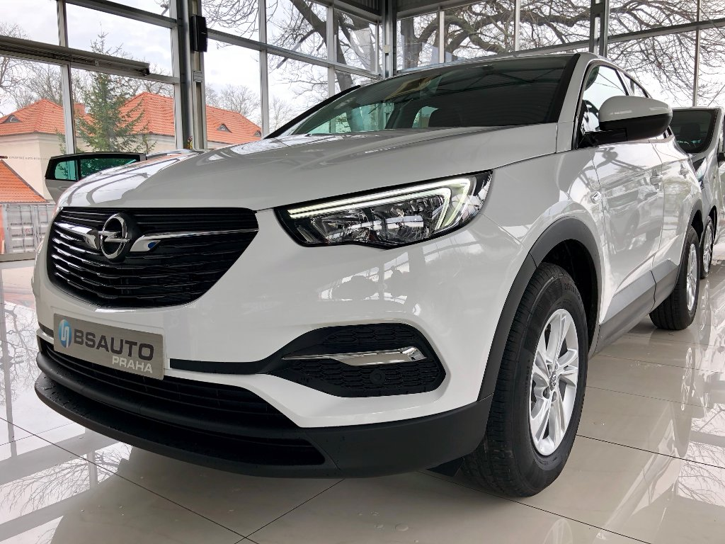 Opel Grandland X Selection 1,2Turbo + ZP zdarma