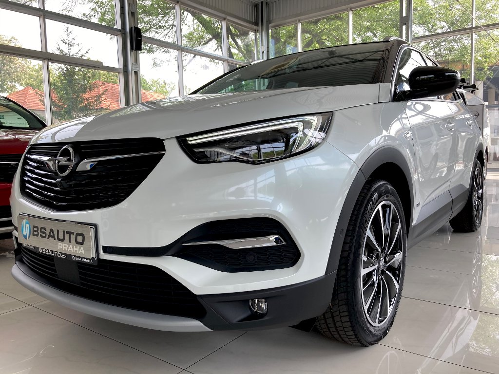 Opel Grandland X Ultimate 1,6Turbo AT8 4x4 PHEV