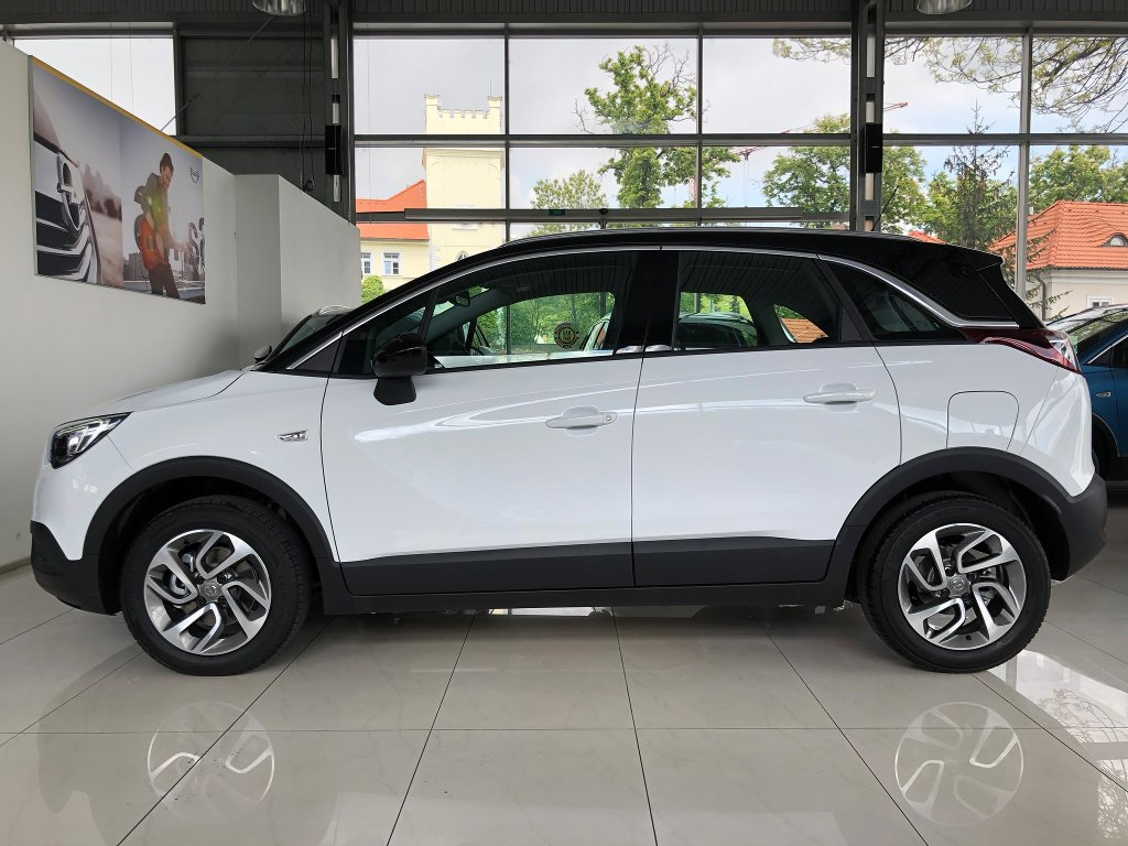 BSAuto | Fotografie vozu Opel Crossland X Innovation 1,2 Turbo 110 koní