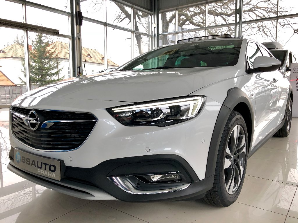 Opel Insignia Country Tourer 2,0T 4x4 AT8+ZP